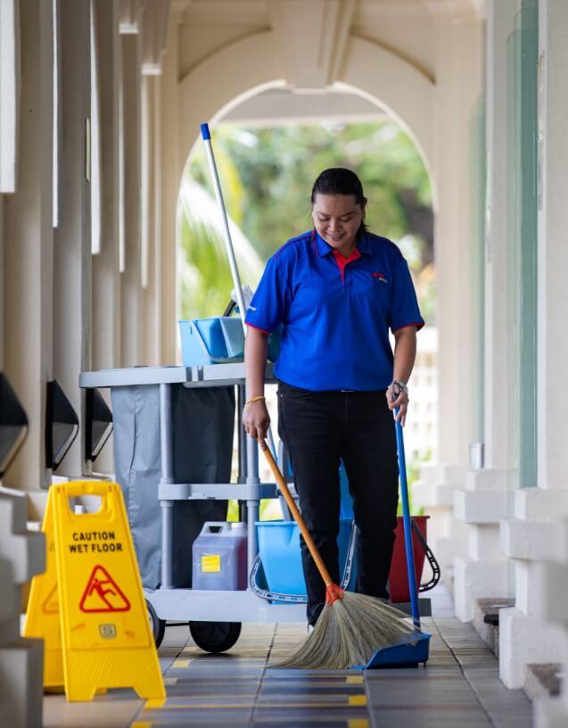External Facade & <br/> High Rise Cleaning